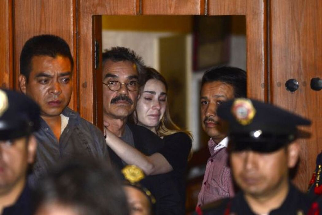 Gonzalo Garcia no quiso hablar con los medios pero apareció en la puerta...