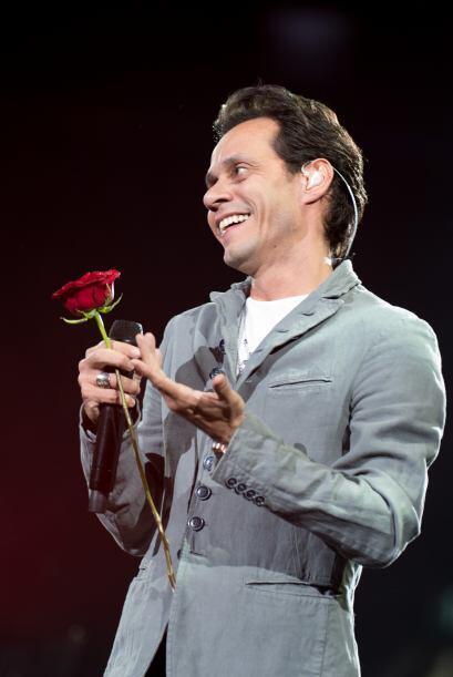 ¿Quién despreciaría una rosa de este caballero?
