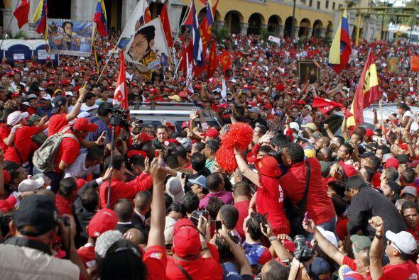 La nueva Asamblea Nacional de Venezuela celebró su triunfo junto al mand...