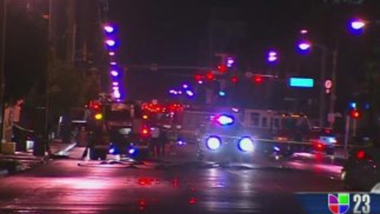 La 37 Avenida fue clausurada por la policía de Miami debido al peligro d...