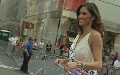 Pamela Silva Conde en el Desfile Puertorriqueño