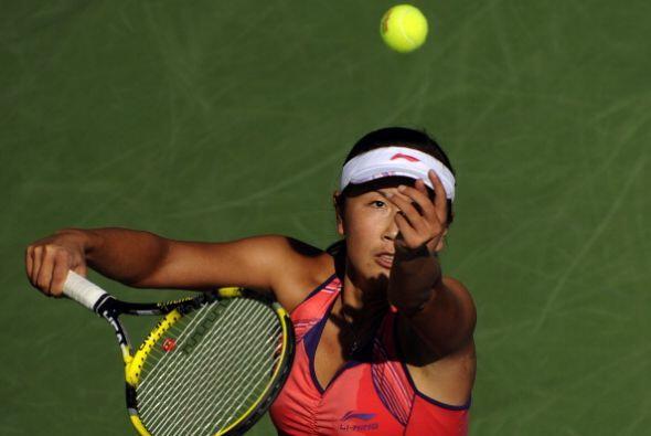 La china Shuai Peng dio cuenta de la alemana Julia Goerge y ahora se med...