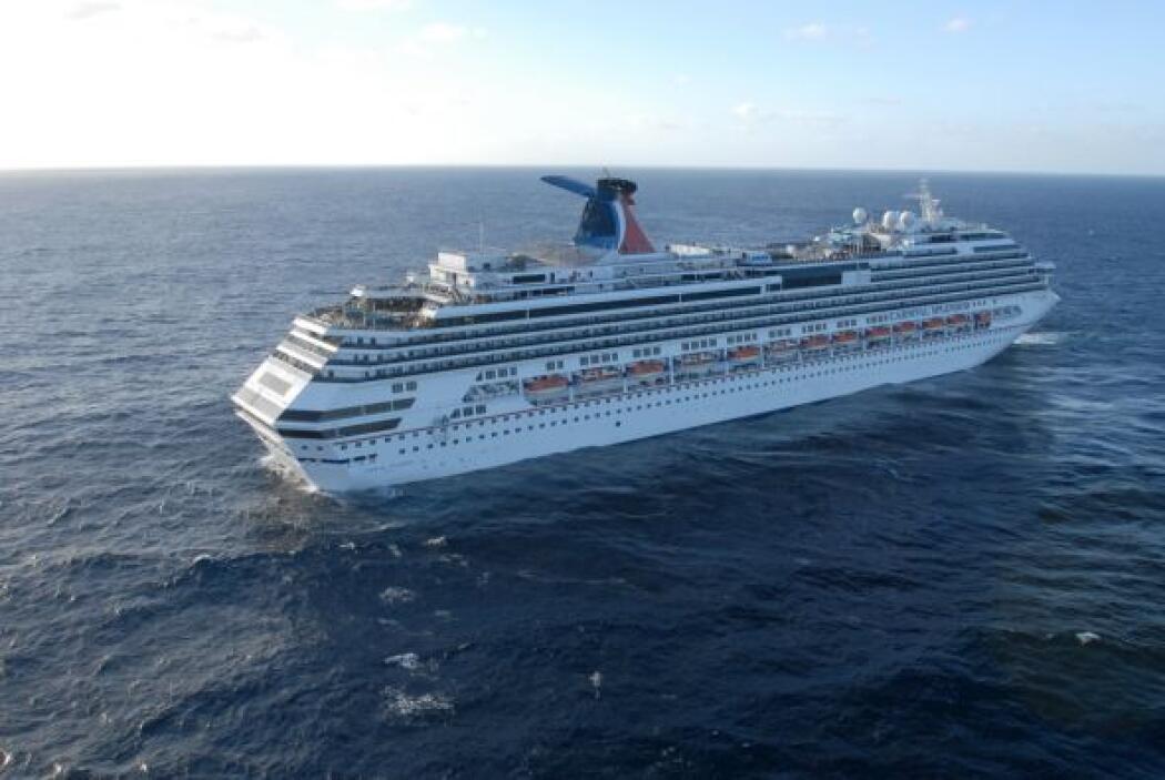 """El director del crucero John Heald dijo que la gente a bordo """"se han por..."""