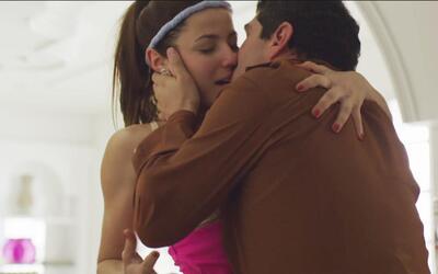 Juliette Pardau grabó candentes escenas con Marco de la O el mismo día q...