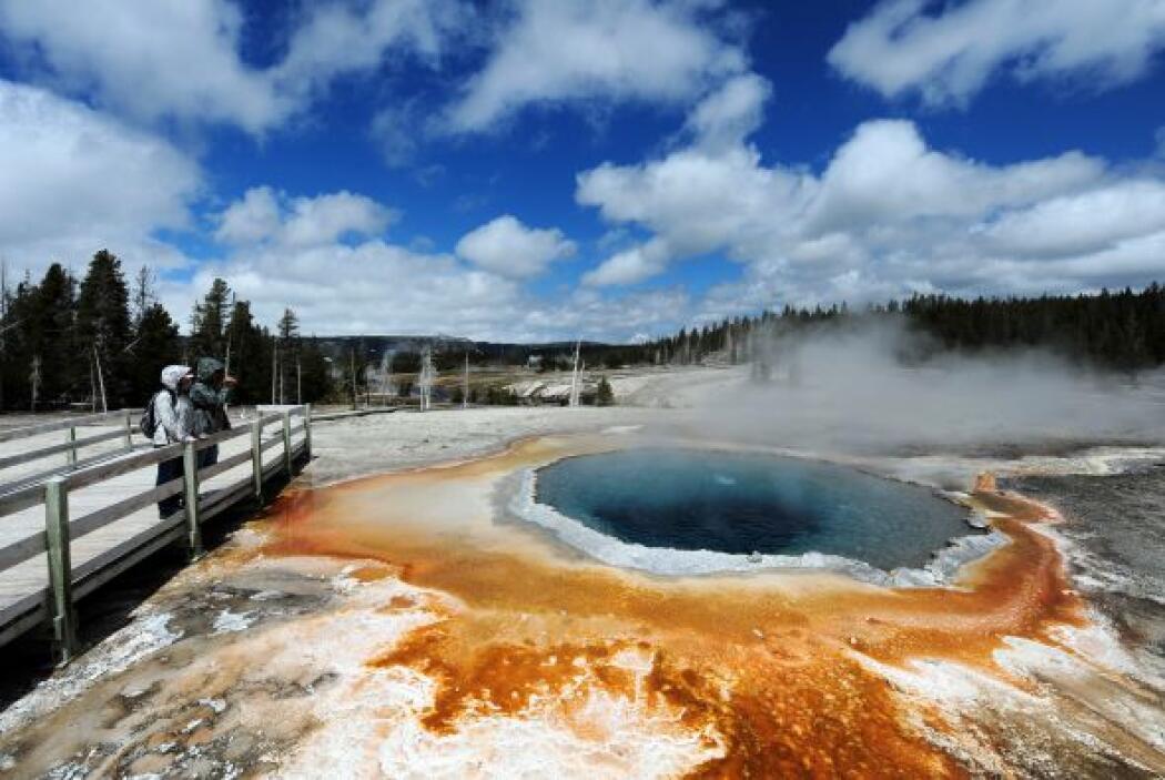 Parque Nacional de Yellowstone, considerado como el parque nacional más...