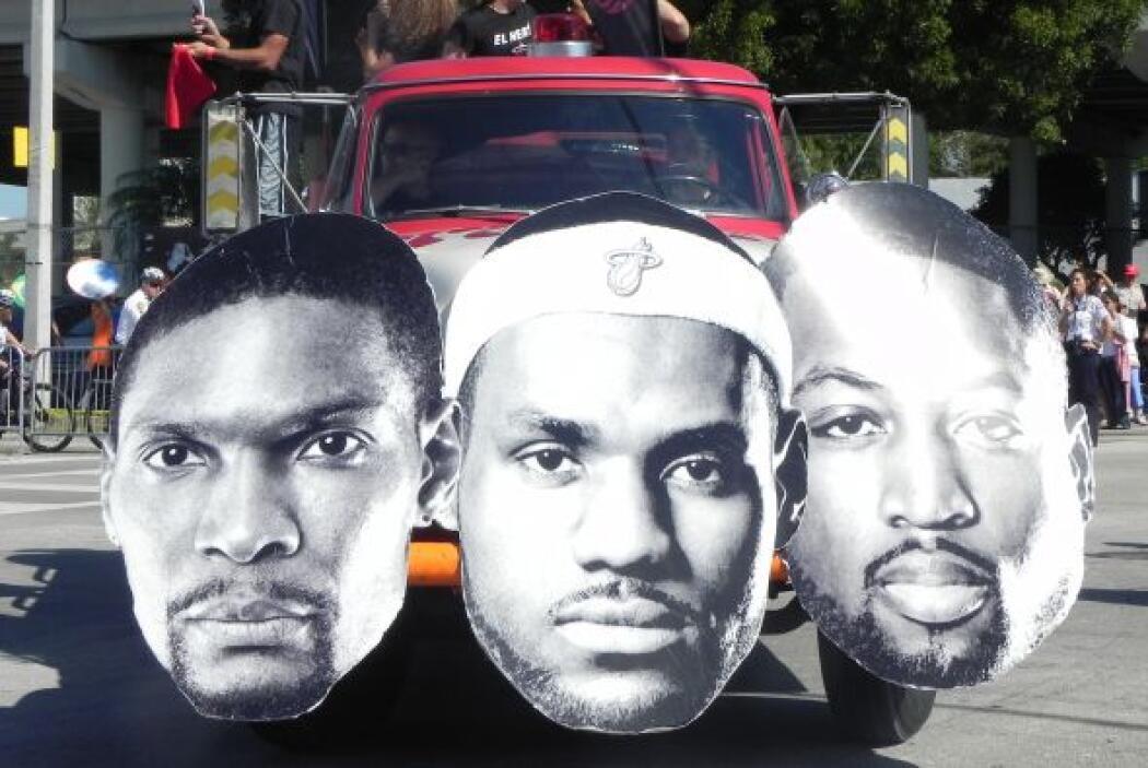 Los Tres Reyes del Heat fueron los mariscales de la 43ra. Parada de los...