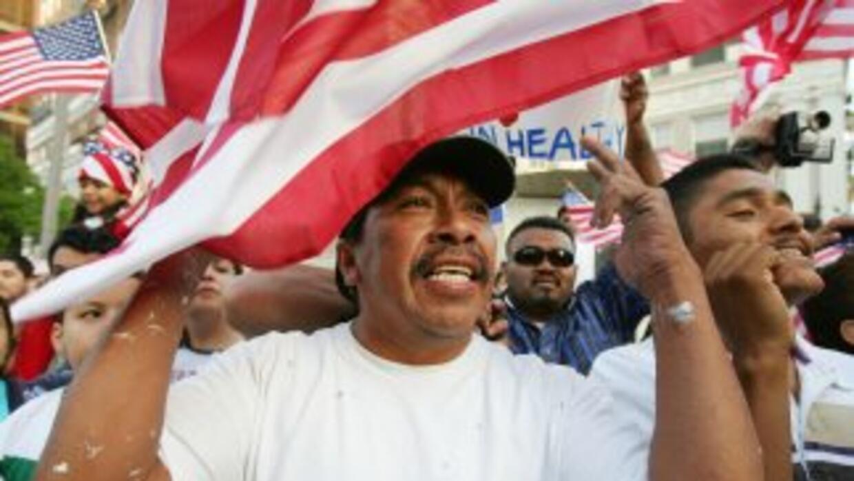 Los 11 millones de indocumentados que viven en Estados Unidos siguen esp...