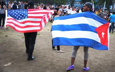"""¿Qué implicaciones tiene la decisión de Obama sobre los """"pies secos, pie..."""