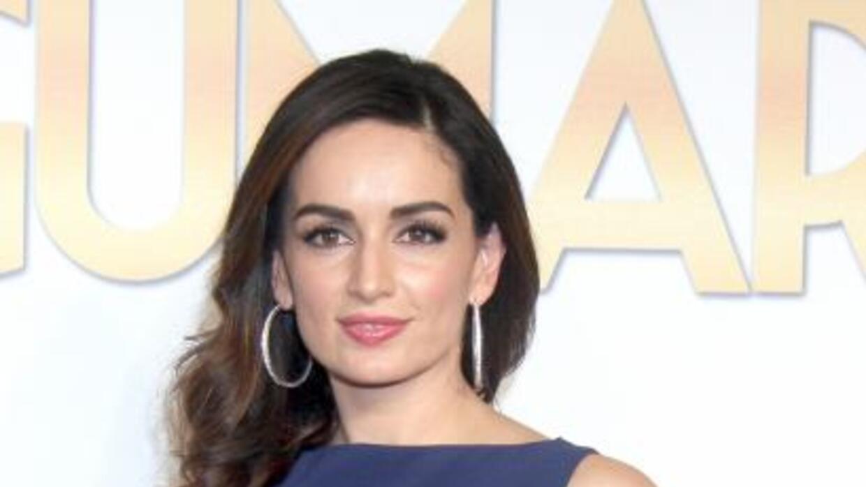 La actriz celebró con niños de una casa hogar.
