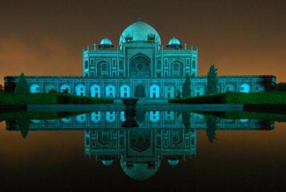El Taj Mahal, India -El 2 de abril todos los grandes edificios y monume...