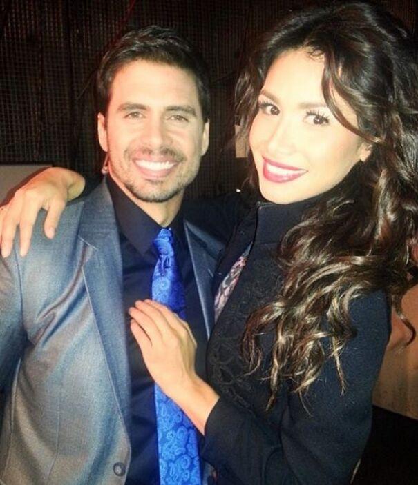 Con el guapo y talentoso Pedro Moreno. ¡Todas las chicas quisieran una f...