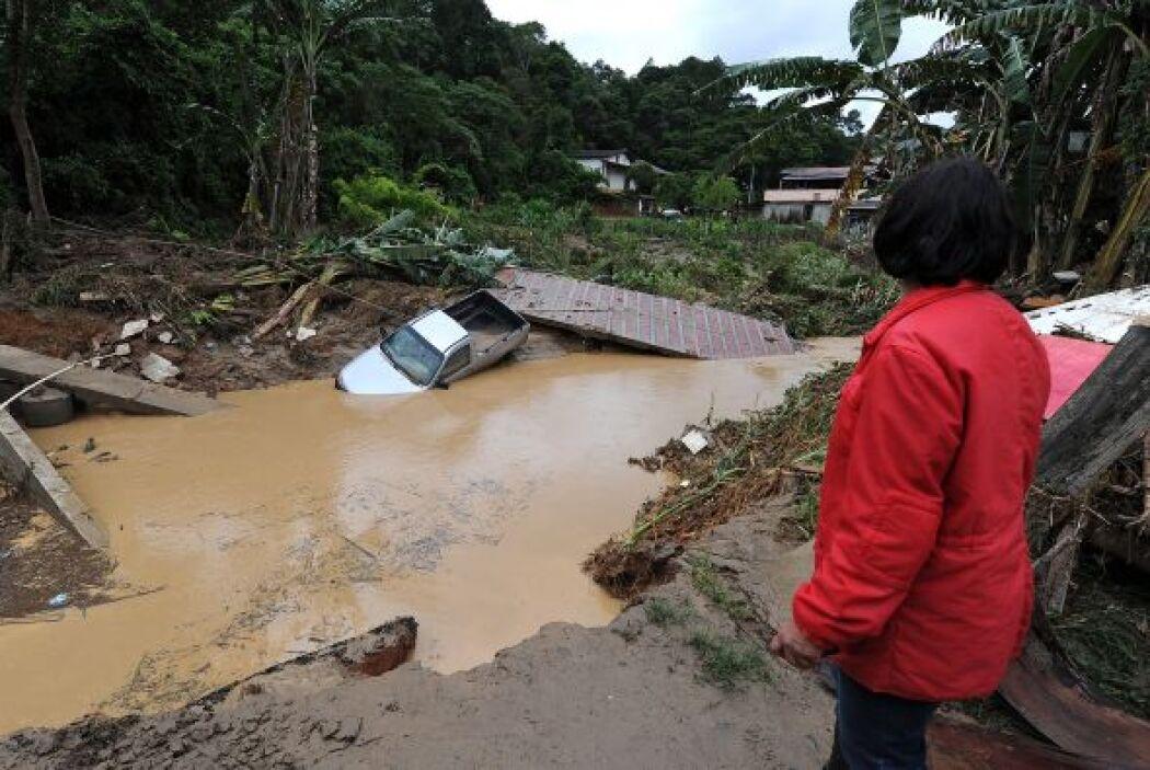 Algunos expertos señalan que en 24 horas llovió lo que regularmente se r...