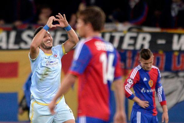 El gol de Federico Piovaccari ponía adelante al Steaua, pero en el minut...