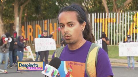 Decenas de estudiantes de la UPR protestan en el Jardín Botánico exigien...