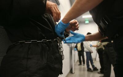 ¿Qué pasaría con las personas detenidas en el centro de inmigración de S...