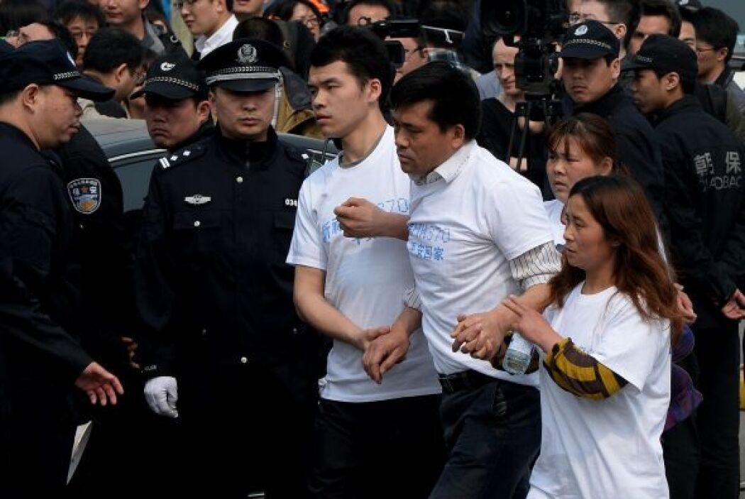 De acuerdo con la agencia Reuters, durante las protestas se registraron...