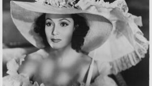 Elsa Schiaparelli fue una diseñadora devota de la belleza de Dolores.