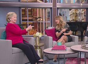 A ritmo de mariachi, Hillary Clinton celebró su cumpleaños en Univision...
