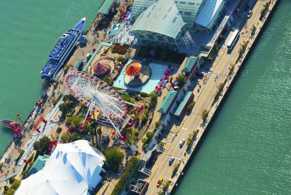 Ahora que si quieren algo más insólito, pueden tomar el ferri Navy Pier,...