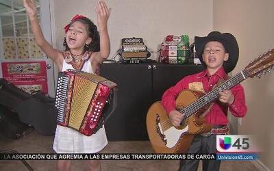 Luceros de Río Verde: Dos pequeños de Houston son ídolos del norteño