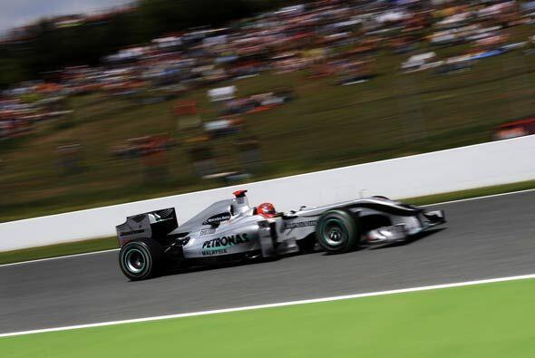 Michael Schumacher tuvo su mejor carrera del año al terminar en el cuart...