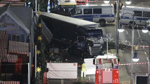 Mueren 12 personas durante atentado en feria navideña en Berlín