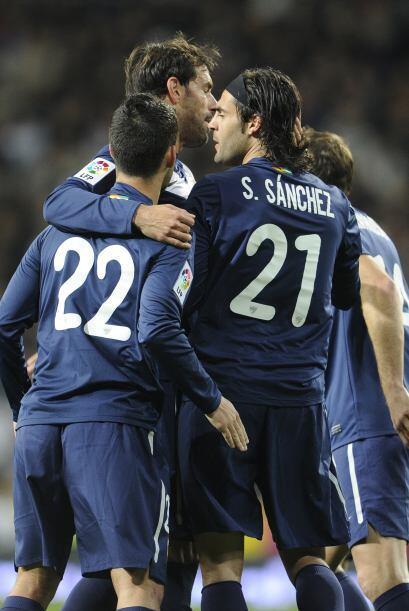 Pero para sorpresa de los presentes en el Santiago Bernabéu, Sergio Sanc...