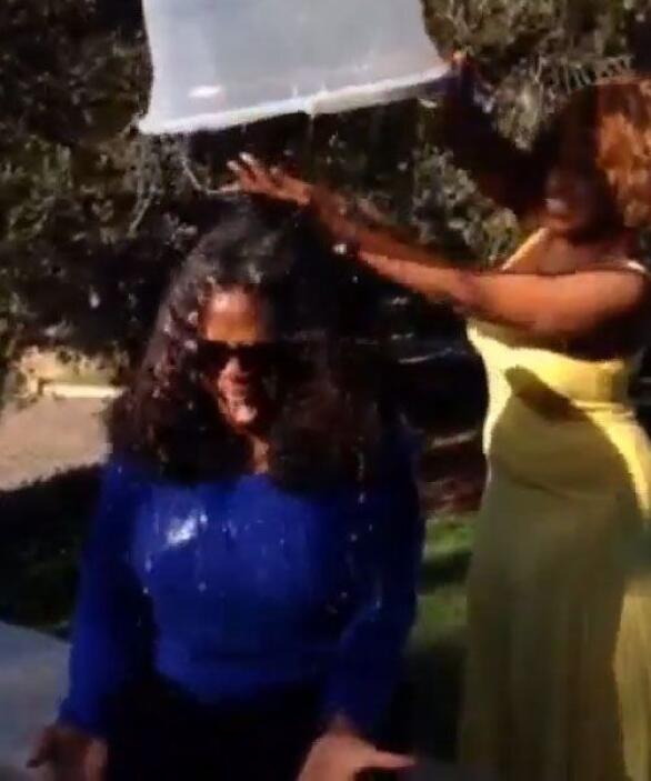 Cuando terminó ésto, Oprah no paró de gritar a todo pulmón.