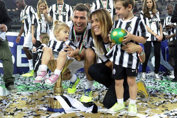 Andrea Barzagli y familia.