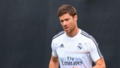 Xabi Alonso postergará nuevamente su regreso debido a una nueva lesión.