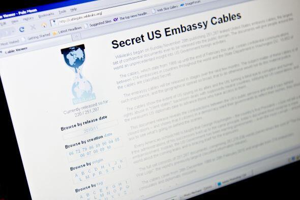 ¿El slogan de WikiLeaks? 'Abrimos los gobiernos'. Y así lo...