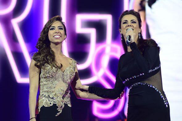 Virginia estuvo acompañada por la talentosa Edith Márquez.