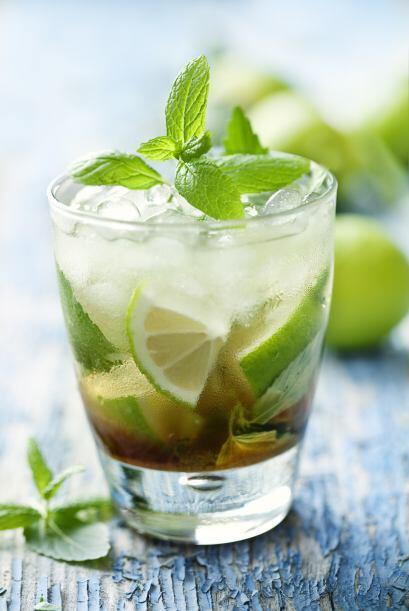 Caipirinha delirio   Refréscate con esta bebida, los ingredientes...
