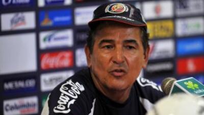 Jorge Luis Pinto habló a su llegada de vuelta a Costa Rica.