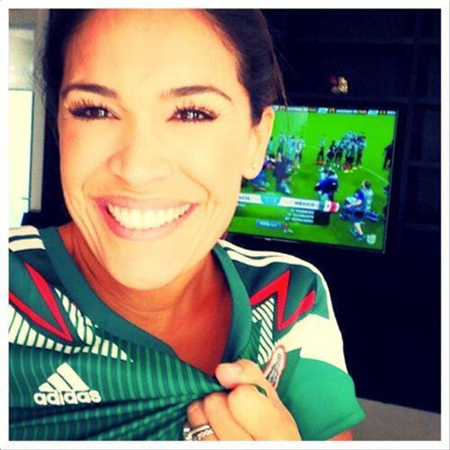 Karla Martínez celebra con una gran sonrisa, y no es para menos, la Sele...