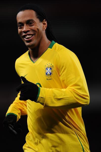 El que volvió a las convocatorias es Ronaldinho que promete alegría y bu...