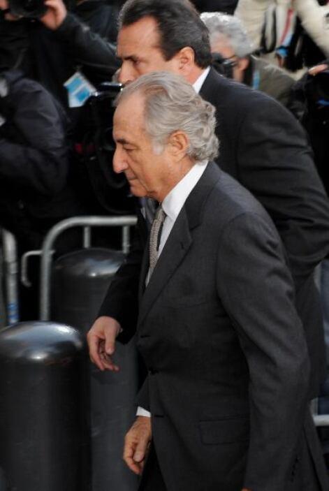 Bernard Madoff  Delito: Bernard Madoff, ex corredor de bolsa, asesor fin...