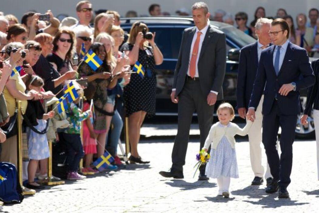 Y es que esta pequeña, a sus dos años, inauguró un camino en el castillo...