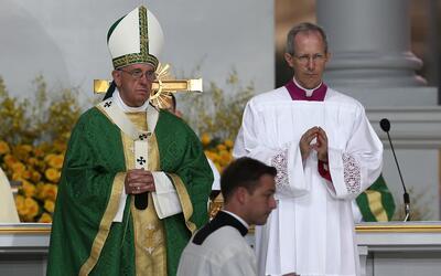 Papa llama la atención sobre el valor de la familia