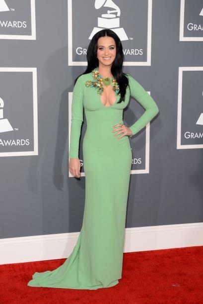 Es difícil enfocar la vista a los ojazos de Katy Perry, cuando debajo de...