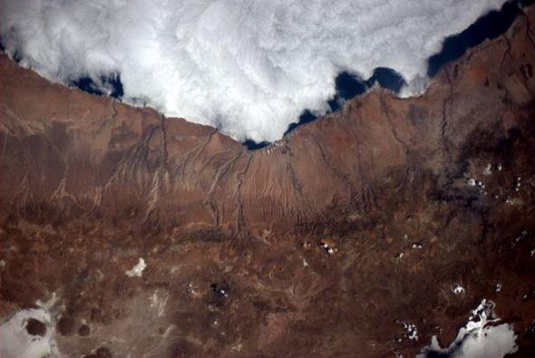 Sobrevolando sobre mi campo volcánico favorito. Fotos de Reid Wiseman