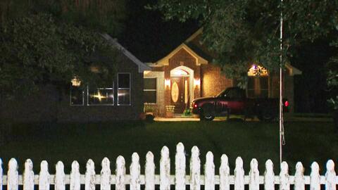 Dos adultos mayores fueron asesinados en su residencia en Beach City, Te...