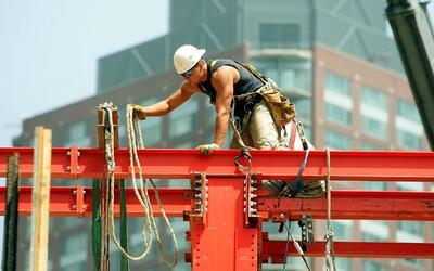 Se presenta proyecto de ley para que agencias de trabajo otorguen derech...