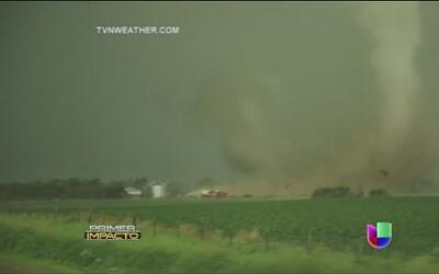 Tornados azotan con fuerza a los Estados Unidos