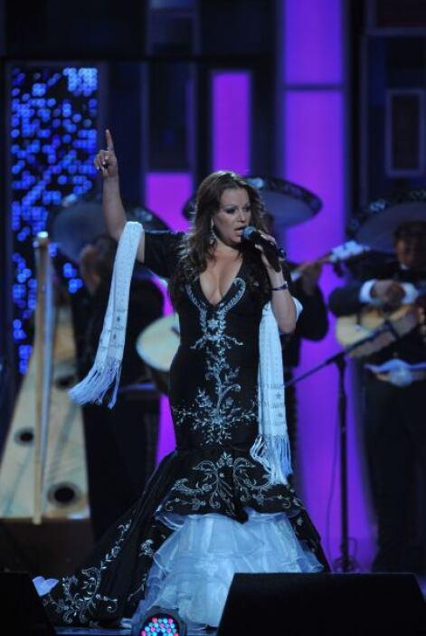 Se veía grandiosa. En 2008 'La Diva de la Banda' nos conquistó con su mú...