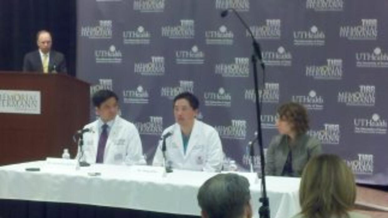 Rueda de prensa sobre Gabrielle Giffords en el Memoria Hospital en Houston.