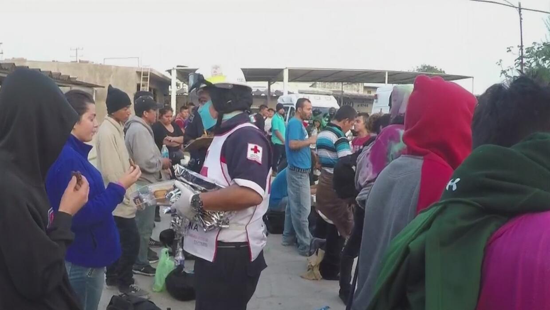 Rescatan a 110 inmigrantes de morir asfixiados dentro de un camión en Mé...