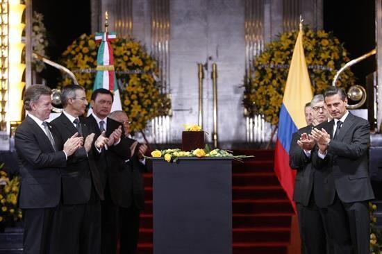 Los presidentes estuvieron acompañados de sus respectivas delegaciones.
