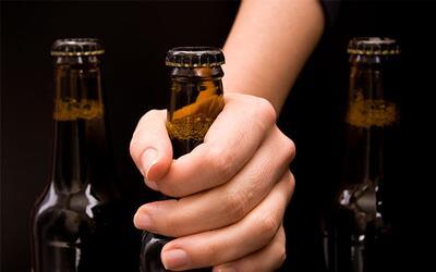 Mi hija comenzó a consumir alcohol ¿qué hago?