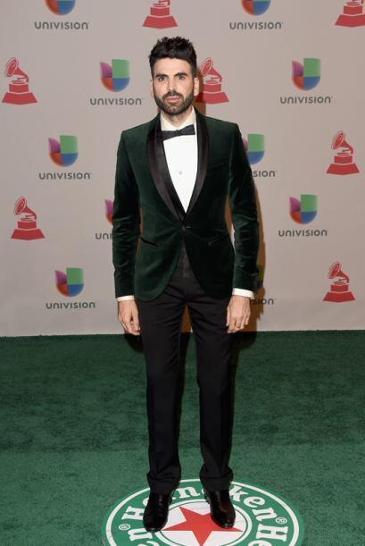 Como siempre, Jomari muy elegante con este traje de Dolce & Gabbana.